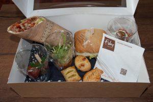 Lunchboxen und Lunchtüten